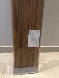 Persiana de madeira 2,20 x 2,20 - NOVA