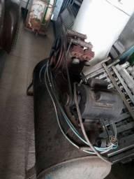 Compresor antigo 4 cabeçote