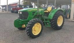 Trator John Deere 5078 E.