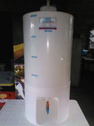 Fermentador Cônico PP Branco 200 Litros com Pé<br><br>