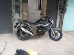 Fazer 250 muito nova moto de garagem