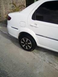 Carro Siena tetraful - 2009