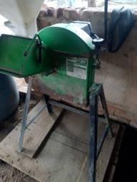Máquina de picar ração