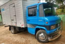 Caminhão 708
