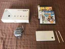 Nintendo DSi + 3 Jogos