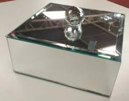 Caixa espelhada com cristal decoração