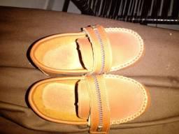 Semi novo sapato infantil