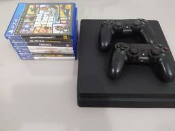Vendo PS4 slim + 7 jogos + 2 controles