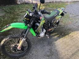 Moto Kawasaki D-TRACKER 250