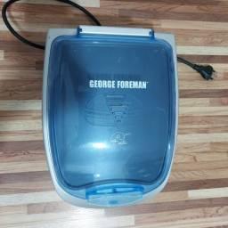 Grill Família George Foreman com aquecedor de pães  220V ? 910W