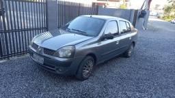Clio sedan básico