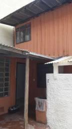 Casa no hauer de fundo de terreno com outras casas no terreno