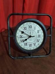 Relógio antigo (relíquia)