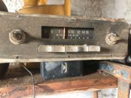 Rádio carro antigo