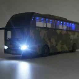 Miniatura ônibus militar 1/32 metal