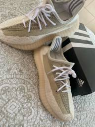 Adidas Yeezy Boost 350 - Bege *NOVO*
