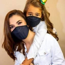 Mascara com proteção três barreiras