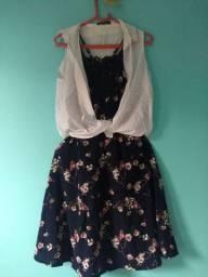 Vestido florido + camisa sem manga