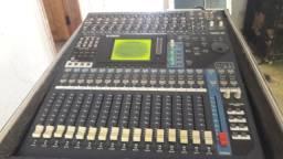 Mesa de som Yamaha digital 01v