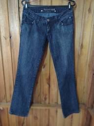 556 - Promoção - Calças jeans - Tam 38