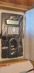 Controle de acesso biometrico ZKTeco F8