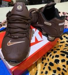 Sapato masculino Nike shox