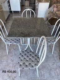 Mesa 70x70 com 4 cadeiras