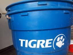 2  caixas d'água CADA UMA por 280 reais.