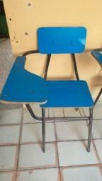 Cadeira escolar.