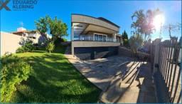 Casa Alto Padrão, 4 dormitórios, 3 suítes, 485,50m², jardim com piscina