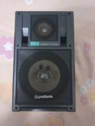 Uma caixa de som Gradiente CS-5 COMPACT SYSTEM
