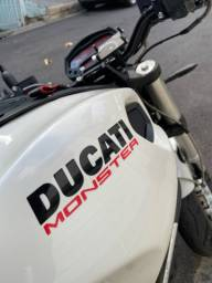Ducati Monster 18km rodados estudo trocas