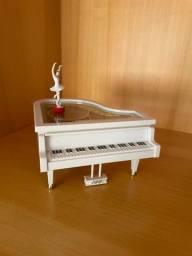 Título do anúncio: Caixinha de música em formato de piano