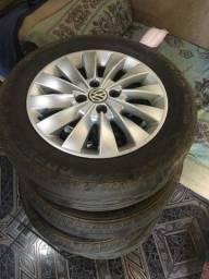 aro 15 com ótimos pneus 1500