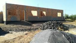 Vende - se uma chácara em construção em cajuru
