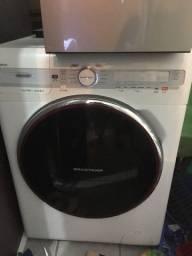 Máquina de lavar e secar para peças