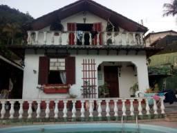 Vendo casa na Mosela com quatro quartos