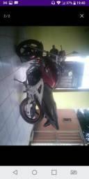 Vendo moto r$ 4000