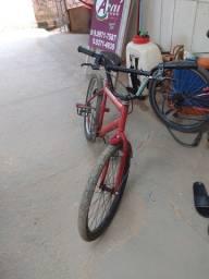 Vende-se essa bicicleta cairu aro 24 vermelha