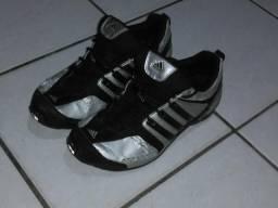 Vendo ou troco tênis da Adidas