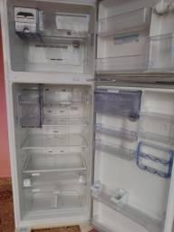 Geladeira Electrolux DFW 50 Frost Free duplex 460 litros bem novinha