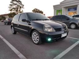 Clio 1.0 ano 2010