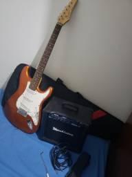Vendo- guitarra Condor e amplificador Machintec maxx10