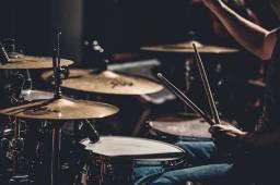 Procurando baterista pra uma banda de rock