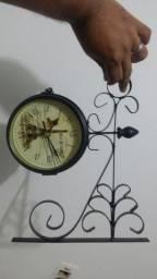 Relógio de parede dupla face interessado chamar no zap. *.