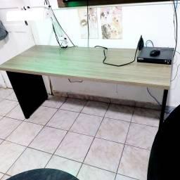 Título do anúncio: Mesa de escritório com luminária