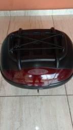 Título do anúncio: vendo bau de moto 45 litros ja com  led de freio