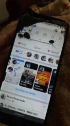 Vendo Moto G6 play com defeito