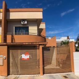 Título do anúncio: Sobrado com 3 dormitórios à venda, 110 m² por R$ 420.000 - Vila Monte Castelo - Apucarana/