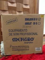 Título do anúncio: Amplificador Meteoro Demolidor 50 watts